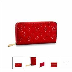 Red Louis Vuitton zippy wallet